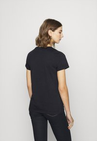 Levi's® - THE PERFECT TEE - T-shirt imprimé - caviar - 4