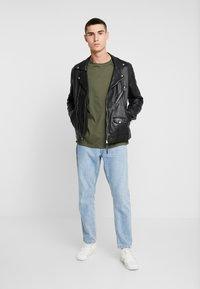 Topman - 3 PACK - Basic T-shirt - beige/khaki/black - 1