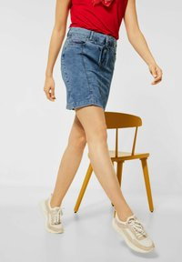 Street One - Pencil skirt - knitted indigo random bleach - 1