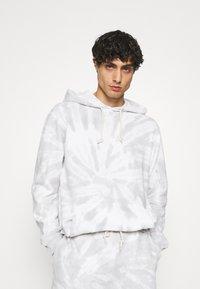 GAP - TIE DYE HOOD - Sweatshirt - grey - 0