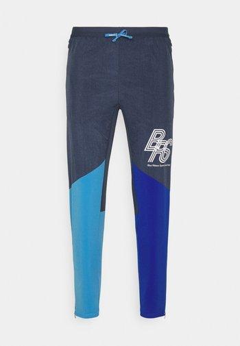 ELITE WOVEN PANT BLUE RIBBON SPORTS - Tracksuit bottoms - thunder blue/game royal/coast/white