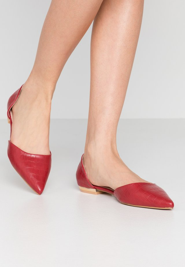 WIDE FIT AMY - Ballerine - red