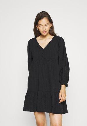 WOVEN ZERHA LONG SLEEVE SMOCK MINI DRESS - Denní šaty - black