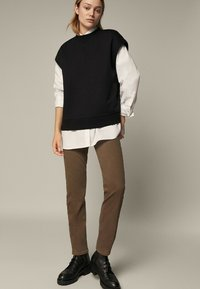 Massimo Dutti - Slim fit jeans - brown - 0