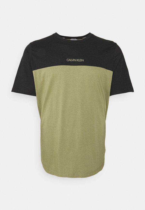 Calvin Klein COLOR BLOCK - T-shirt basic - delta green/oliwkowy Odzież Męska TYHQ