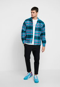 Obey Clothing - FITZGERALD  - Shirt - deep teal - 1
