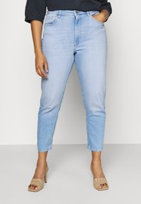 ONLY Carmakoma - CARENEDA LIFE MOM BABY  - Jeans relaxed fit - light blue denim - 0