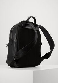 Michael Kors - GREYSON BACKPACK UNISEX - Sac à dos - black - 3