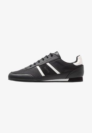 LIGHTER - Sneakersy niskie - black