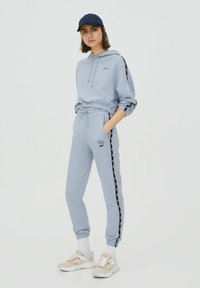 PULL&BEAR - Tracksuit bottoms - light blue - 1