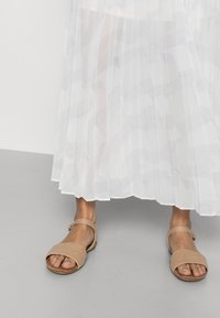 Tommy Hilfiger - ICON PLEATED LONG SKIRT - Maxi sukně - white - 4