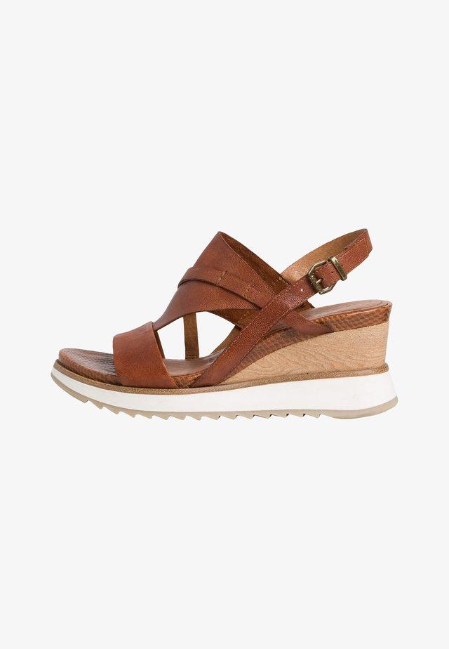 Sandales à plateforme - nut