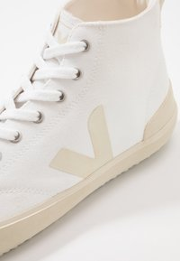 Veja - NOVA - Baskets montantes - white/pierre - 7