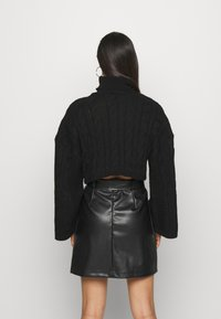New Look - ROLL NECK WIDE SLEEVE CABLE - Svetr - black - 2