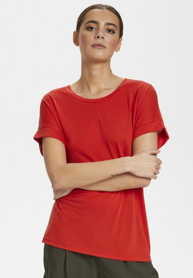 KAJSA - T-shirt basic - fiery red