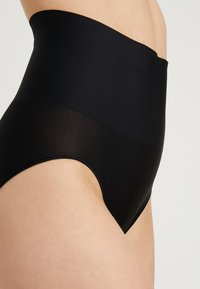 Maidenform - TAILORED BRIEF TAME YOUR TUMMY - Shapewear - black - 4