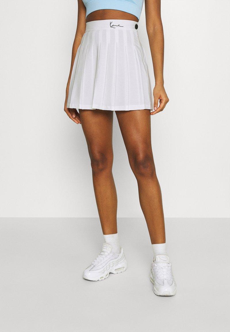 Karl Kani - SMALL SIGNATURE TENNIS SKIRT - Mini skirt - white