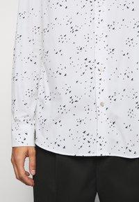 Paul Smith - GENTS SLIM - Shirt - white - 6