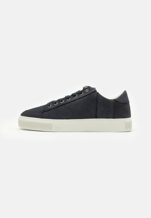 TOURNAMENT - Trainers - navy/offwhite
