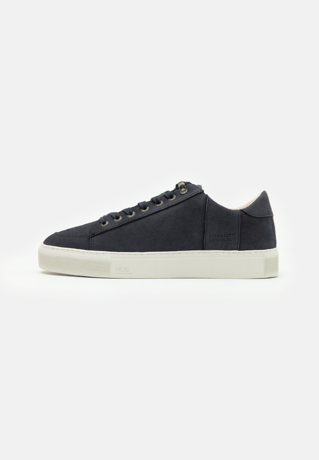 TOURNAMENT - Sneakers laag - navy/offwhite