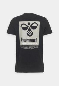 Hummel - HMLTORONTO  - T-shirts print - black - 6
