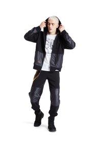 Timberland - EARTHKEEPERS+ HOODIE - Zip-up hoodie - black - 1