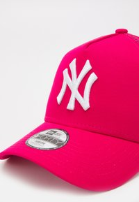 New Era - TONAL TRUCKER NEW YORK YANKEES UNISEX - Cap - pink - 3