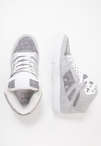 DC Shoes - PURE UNISEX - Skateskor - grey/white - 1
