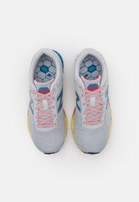 New Balance - ARISHI LACES UNISEX - Neutrální běžecké boty - grey - 3