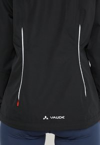 Vaude - WOMENS ESCAPE BIKE LIGHT JACKET - Waterproof jacket - black - 4
