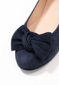 Brenda Zaro Wide Fit - WIDE FIT CARLA - Ballerinat - blue navy - 2