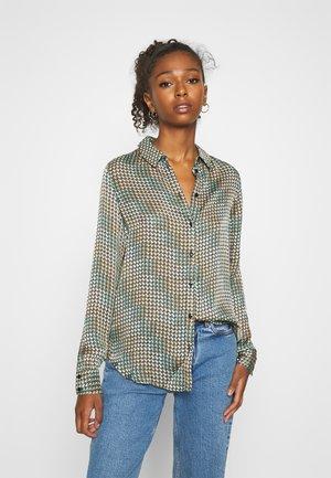 VMBERTA LS  - Button-down blouse - fir green/berta