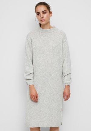 AUS SOFTER QUALITÄT - Shift dress - foggy melange
