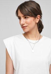 Q/S designed by - Basic T-shirt - white - 3