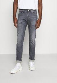 Tommy Jeans - SCANTON SLIM - Slim fit -farkut - midnight grey - 0