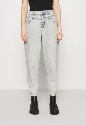 CAROLYN - Straight leg jeans - denim acid wash