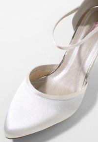 Elsa Coloured Shoes - RAINBOW CLUB  DEWI - Bridal shoes - ivory - 6