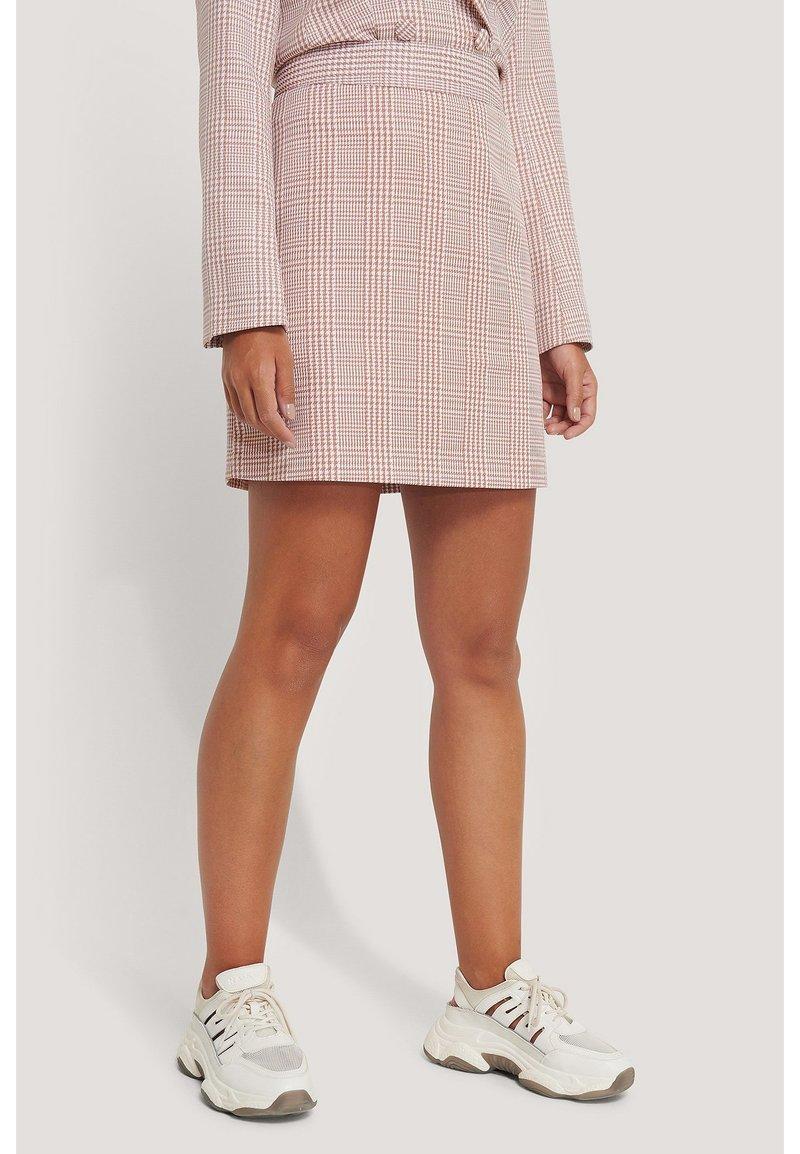 NA-KD - A-line skirt - pink/white
