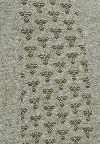 Hummel - HMLCI SEAMLESS  - Long sleeved top - vetiver melange - 5