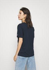 Tommy Jeans - COLLEGIATE LOGO - T-shirt print - twilight navy - 2