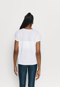 Casall - T-shirt basic - white - 2
