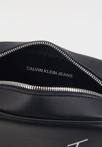 Calvin Klein Jeans - CAMERA BAG - Across body bag - black - 3