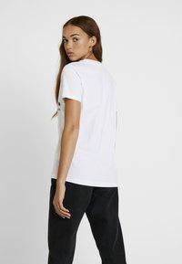 Diesel - T-SILY-WX MAGLIETTA - T-shirt con stampa - white - 2