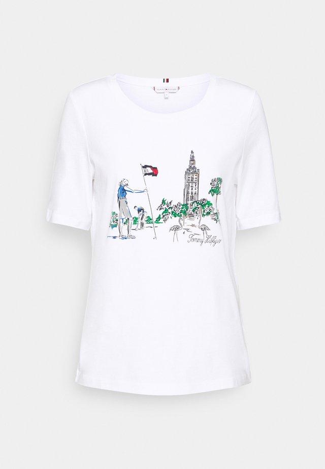 REGULAR BOX TOWER OPEN TEE - Print T-shirt - white