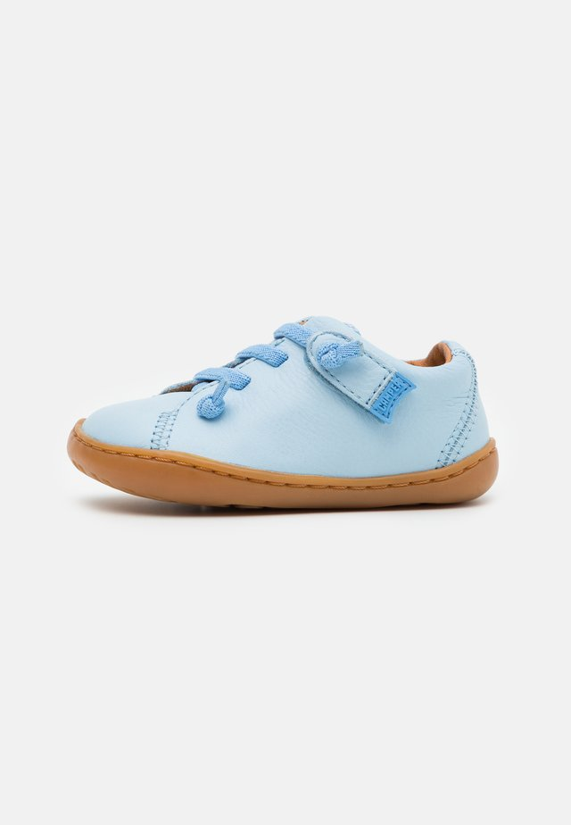PEU CAMI - Chaussures à scratch - light/pastel blue