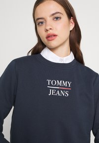 Tommy Jeans - TERRY LOGO - Sweatshirt - twilight navy - 3