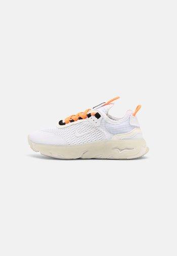 RT LIVE UNISEX - Sneakers basse - atomic orange/white sail/light armory blue