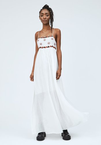 ADRIANA - Maxi-jurk - mousse