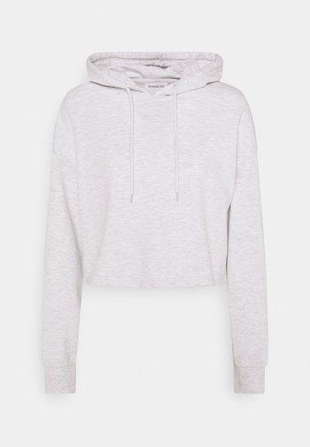 BASIC - Cropped oversized hoodie - Luvtröja - white