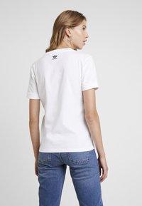 adidas Originals - TEE - T-shirt basique - white - 2